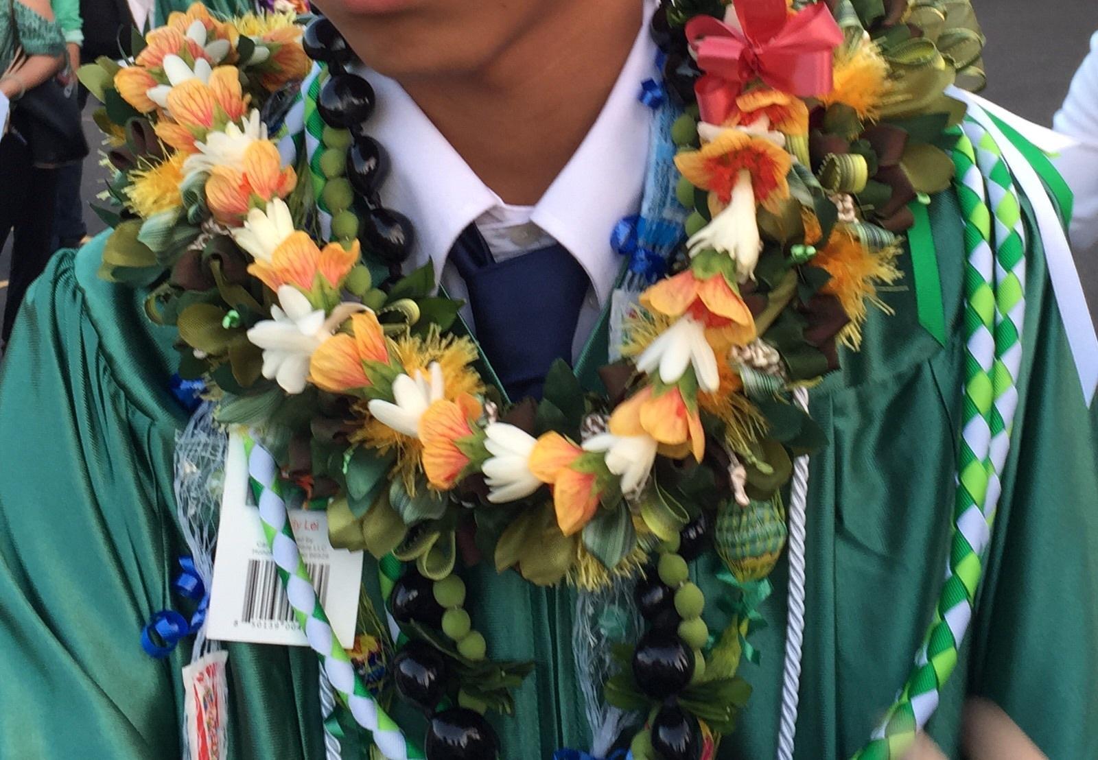 先週も楽しくリボンレイ&息子の卒業式_c0196240_15495822.jpg