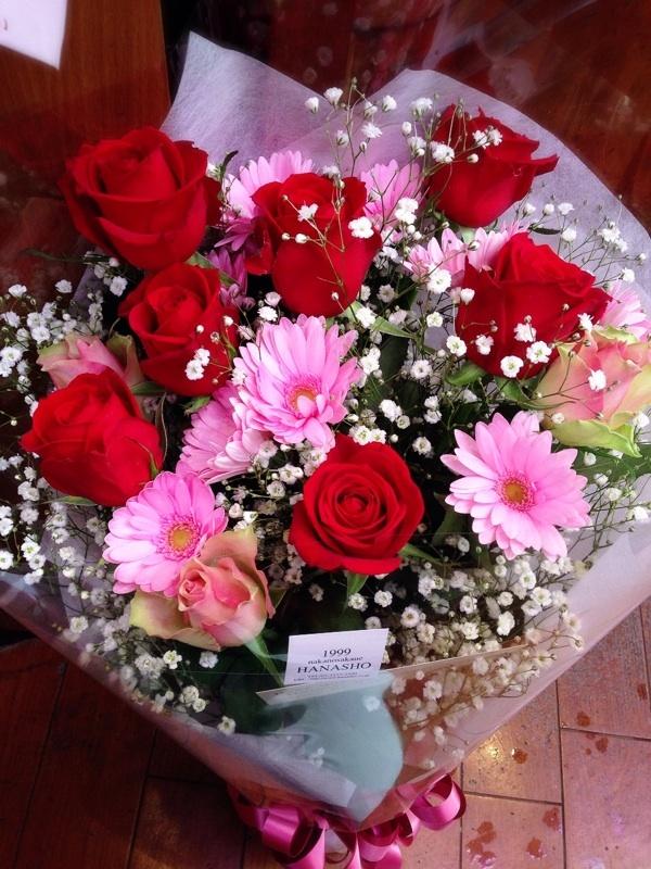 可愛らしい、赤・ピンク系花束_d0125644_18283872.jpg