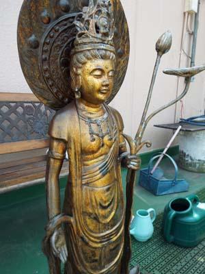 仏像を荘厳(しょうごん)・屋上で見たこと_f0211178_11452018.jpg