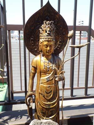 仏像を荘厳(しょうごん)・屋上で見たこと_f0211178_1146436.jpg