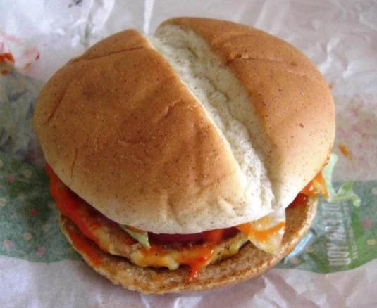 【マック】ベジタブルチキンバーガー~新作なんだけど。。_b0081121_636449.jpg