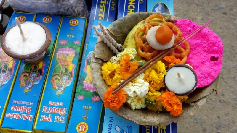 ネパール報告:2日目、山車_e0155231_12554587.jpg
