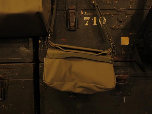 "\""ANATOMICA SMALL SHOULDER BAG\""ってこんなこと。_c0140560_1132994.jpg"