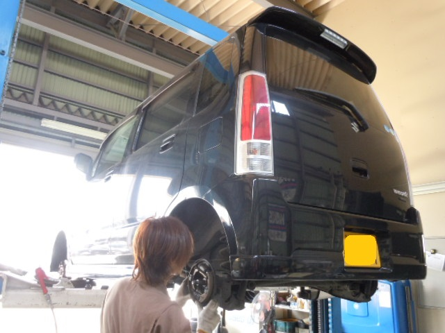 今日のマー君☆ワゴンR車検整備中(*^0^*)/_c0213517_14233984.jpg