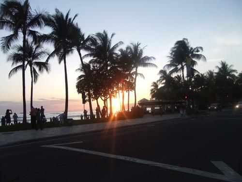 ワイキキビーチの....昼と夜!_b0137932_215649.jpg