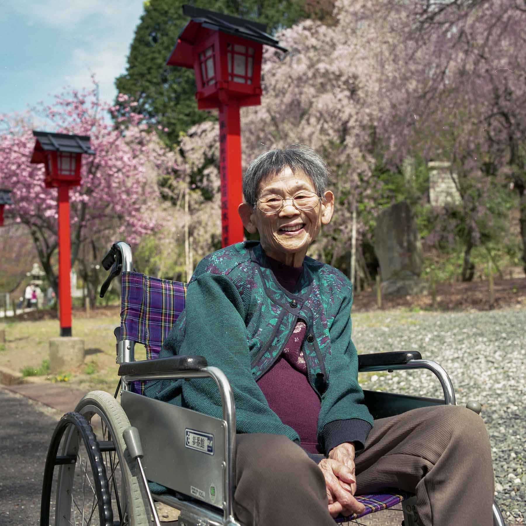 枝垂れ桜の思い出〜妙見宮御祖神社〜_c0028861_22451130.jpg