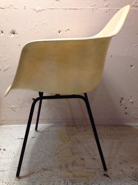 5月30日(土)大阪店ヴィンテージ家具入荷!②Eames ArmShell Chair!!(大阪アメ村店)_c0078587_13273616.jpg