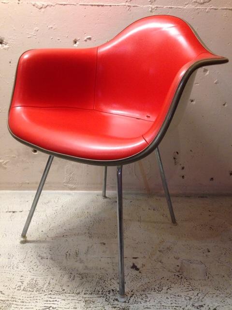5月30日(土)大阪店ヴィンテージ家具入荷!②Eames ArmShell Chair!!(大阪アメ村店)_c0078587_1329286.jpg