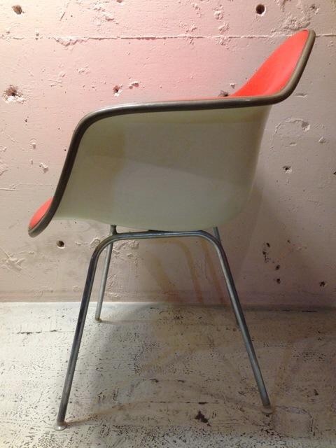 5月30日(土)大阪店ヴィンテージ家具入荷!②Eames ArmShell Chair!!(大阪アメ村店)_c0078587_13295676.jpg