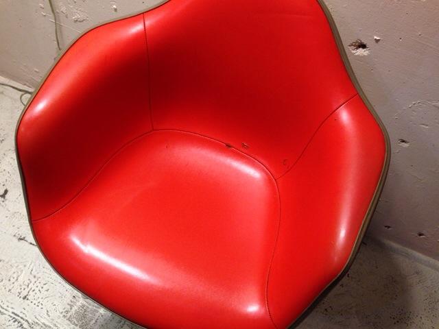 5月30日(土)大阪店ヴィンテージ家具入荷!②Eames ArmShell Chair!!(大阪アメ村店)_c0078587_13302762.jpg