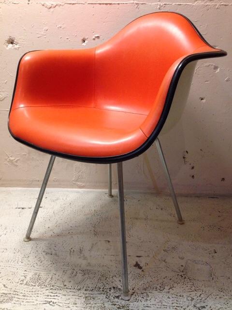5月30日(土)大阪店ヴィンテージ家具入荷!②Eames ArmShell Chair!!(大阪アメ村店)_c0078587_13313050.jpg