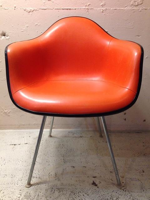 5月30日(土)大阪店ヴィンテージ家具入荷!②Eames ArmShell Chair!!(大阪アメ村店)_c0078587_1331396.jpg