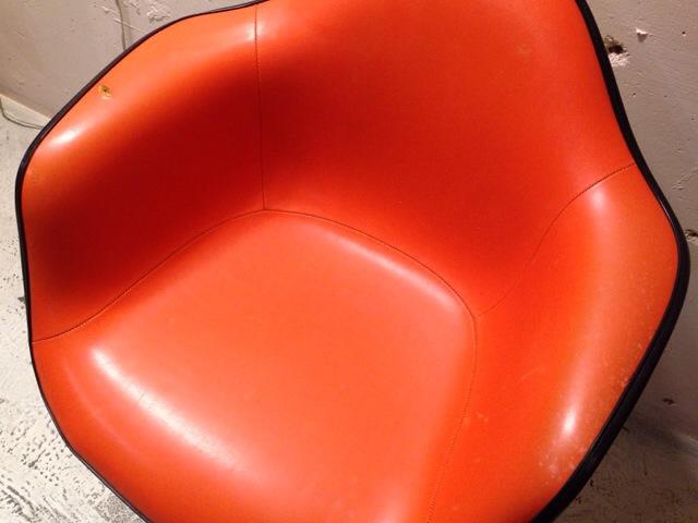 5月30日(土)大阪店ヴィンテージ家具入荷!②Eames ArmShell Chair!!(大阪アメ村店)_c0078587_13321876.jpg