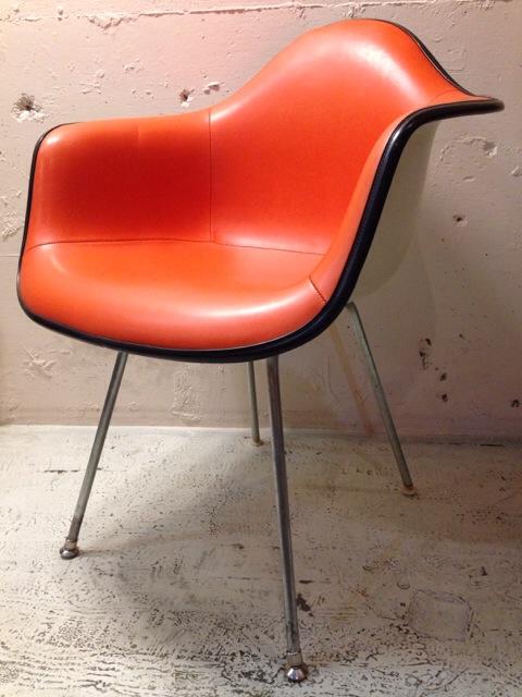 5月30日(土)大阪店ヴィンテージ家具入荷!②Eames ArmShell Chair!!(大阪アメ村店)_c0078587_13332859.jpg