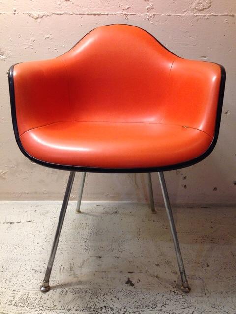 5月30日(土)大阪店ヴィンテージ家具入荷!②Eames ArmShell Chair!!(大阪アメ村店)_c0078587_13333550.jpg