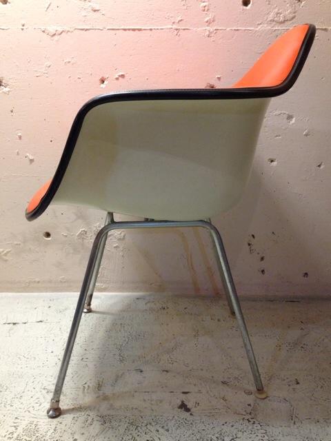 5月30日(土)大阪店ヴィンテージ家具入荷!②Eames ArmShell Chair!!(大阪アメ村店)_c0078587_13335429.jpg