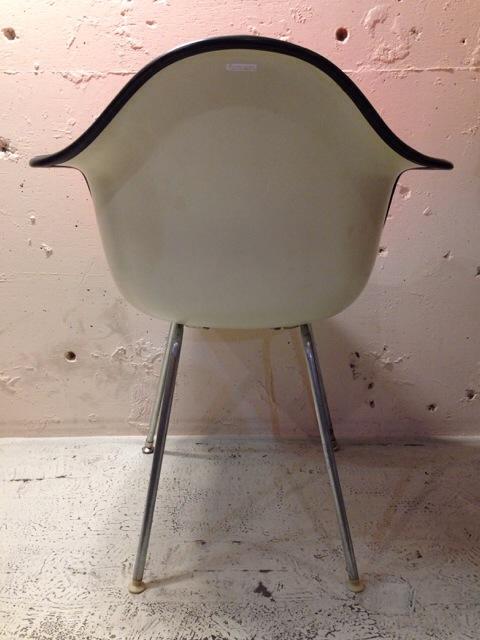 5月30日(土)大阪店ヴィンテージ家具入荷!②Eames ArmShell Chair!!(大阪アメ村店)_c0078587_1334163.jpg