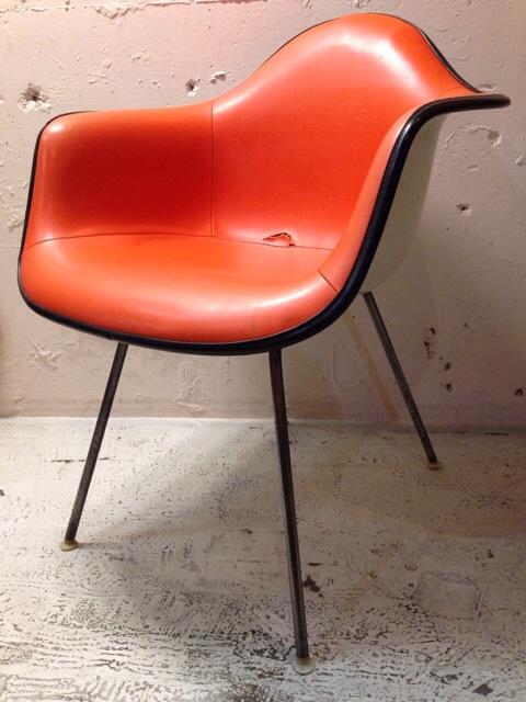5月30日(土)大阪店ヴィンテージ家具入荷!②Eames ArmShell Chair!!(大阪アメ村店)_c0078587_1335286.jpg