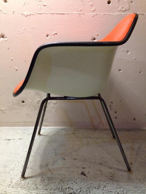 5月30日(土)大阪店ヴィンテージ家具入荷!②Eames ArmShell Chair!!(大阪アメ村店)_c0078587_1335306.jpg