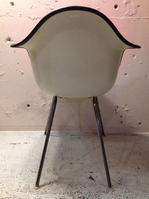 5月30日(土)大阪店ヴィンテージ家具入荷!②Eames ArmShell Chair!!(大阪アメ村店)_c0078587_13353910.jpg
