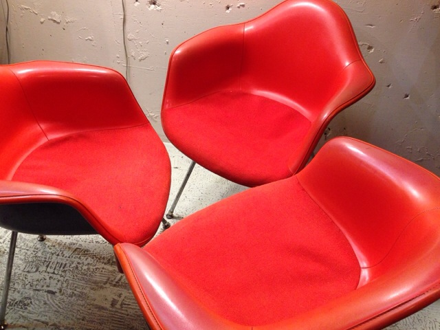 5月30日(土)大阪店ヴィンテージ家具入荷!②Eames ArmShell Chair!!(大阪アメ村店)_c0078587_13365266.jpg