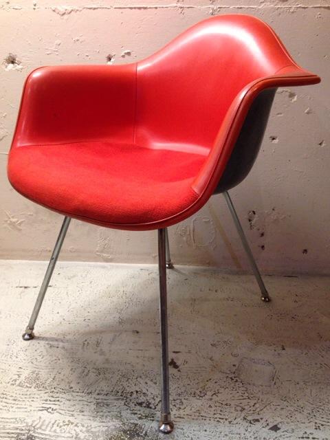 5月30日(土)大阪店ヴィンテージ家具入荷!②Eames ArmShell Chair!!(大阪アメ村店)_c0078587_13371953.jpg