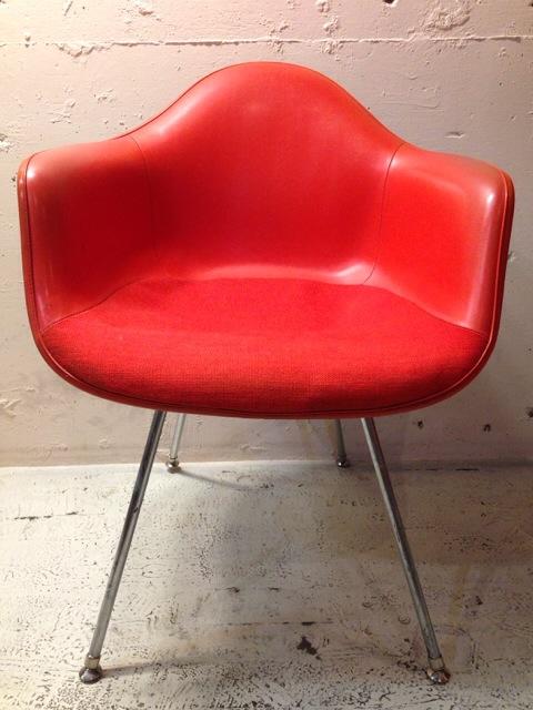 5月30日(土)大阪店ヴィンテージ家具入荷!②Eames ArmShell Chair!!(大阪アメ村店)_c0078587_13375053.jpg