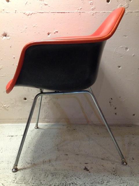 5月30日(土)大阪店ヴィンテージ家具入荷!②Eames ArmShell Chair!!(大阪アメ村店)_c0078587_1338172.jpg