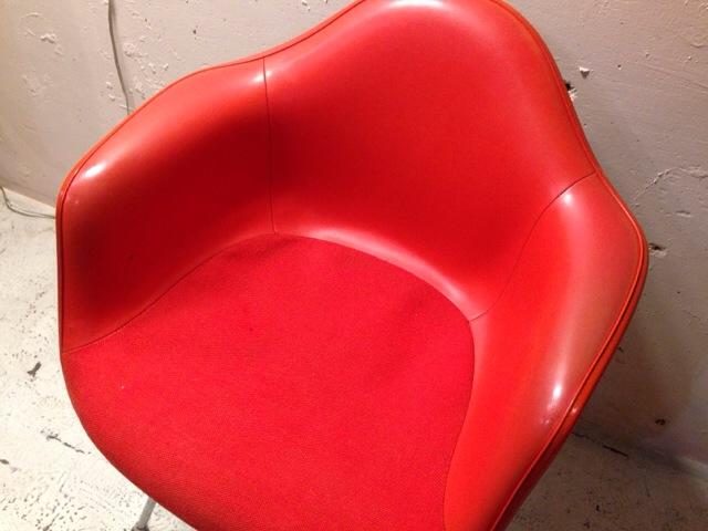 5月30日(土)大阪店ヴィンテージ家具入荷!②Eames ArmShell Chair!!(大阪アメ村店)_c0078587_13381840.jpg