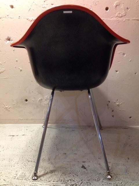 5月30日(土)大阪店ヴィンテージ家具入荷!②Eames ArmShell Chair!!(大阪アメ村店)_c0078587_1338968.jpg