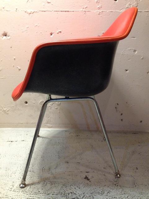 5月30日(土)大阪店ヴィンテージ家具入荷!②Eames ArmShell Chair!!(大阪アメ村店)_c0078587_1340135.jpg