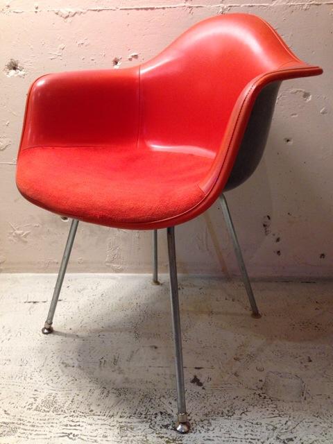 5月30日(土)大阪店ヴィンテージ家具入荷!②Eames ArmShell Chair!!(大阪アメ村店)_c0078587_13414485.jpg