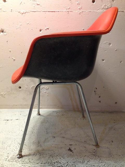 5月30日(土)大阪店ヴィンテージ家具入荷!②Eames ArmShell Chair!!(大阪アメ村店)_c0078587_13422036.jpg