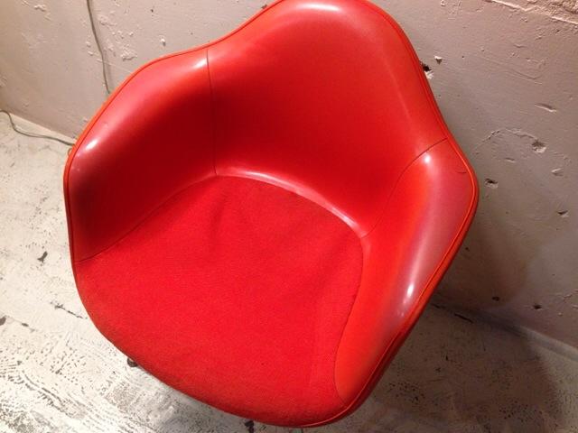 5月30日(土)大阪店ヴィンテージ家具入荷!②Eames ArmShell Chair!!(大阪アメ村店)_c0078587_13424210.jpg