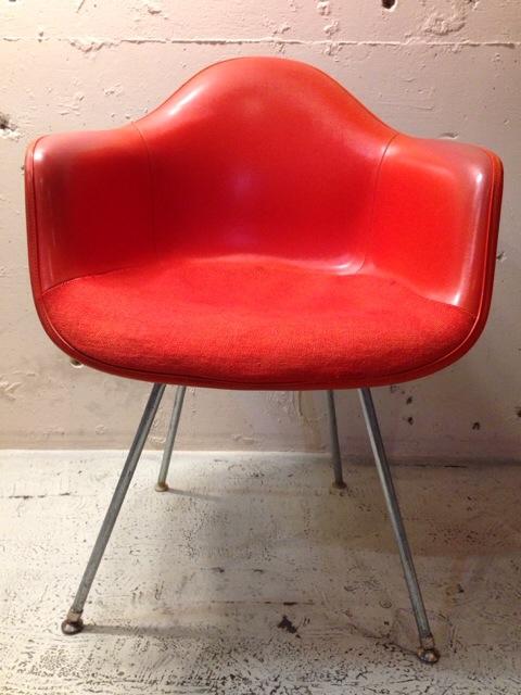 5月30日(土)大阪店ヴィンテージ家具入荷!②Eames ArmShell Chair!!(大阪アメ村店)_c0078587_134279.jpg