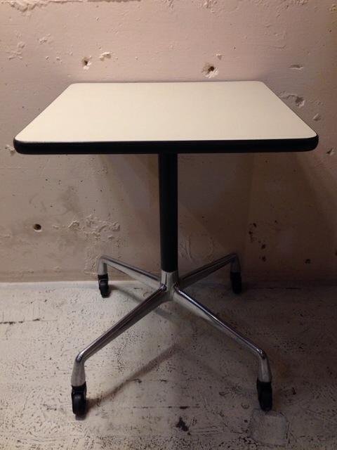 5月30日(土)大阪店ヴィンテージ家具入荷!①Eames SideShell Chair!!(大阪アメ村店)_c0078587_1375240.jpg