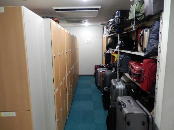 外国客に人気と噂の新宿区役所前カプセルホテルに泊まってみた_b0235153_1214375.jpg