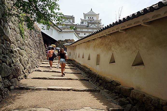 姫路城(白鷺城)_e0016894_20351569.jpg