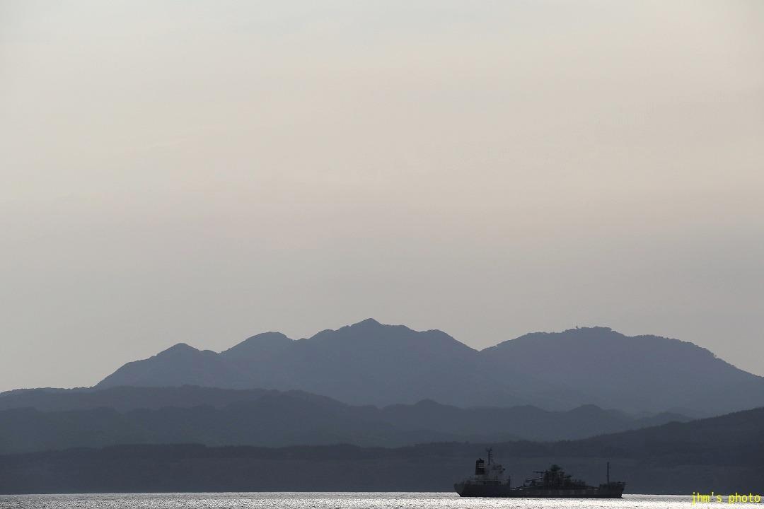 歓びの海、すまし顔の空、海峡の・・・・_a0158797_23422749.jpg