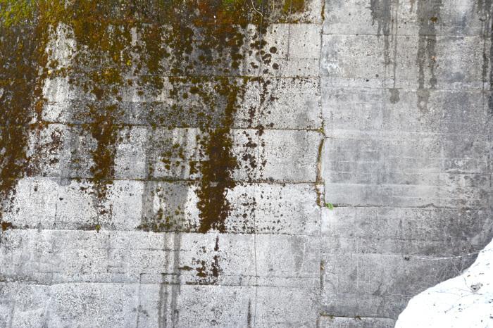 コンクリートの建造物_a0102098_15174102.jpg