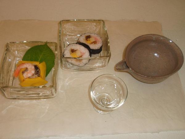 お昼ごはんに   松岡ようじガラス小鉢で_b0132442_15023702.jpg