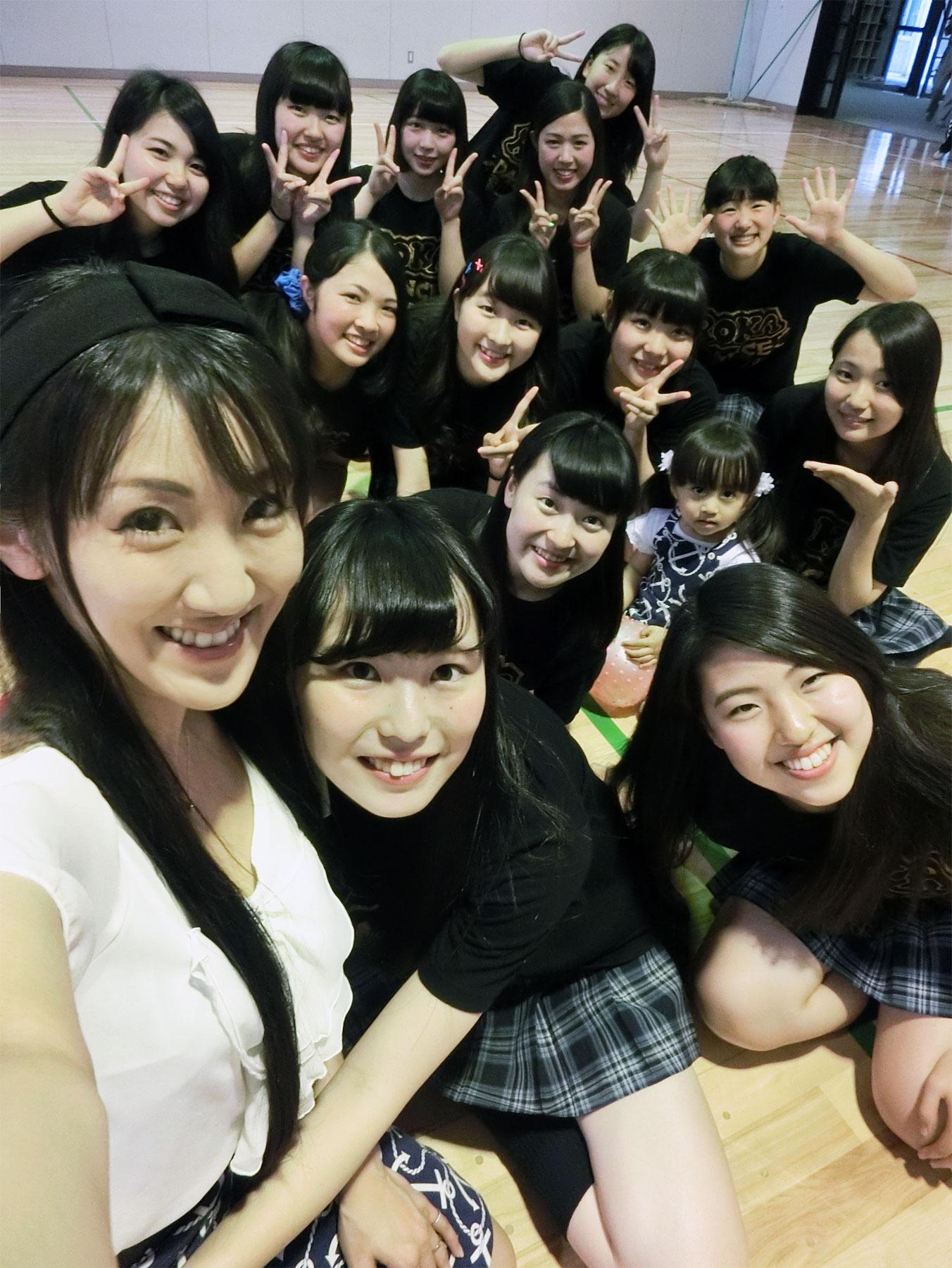 生徒chan達と、アルバム撮影 & 結婚のお祝いへ_d0224894_12341696.jpg