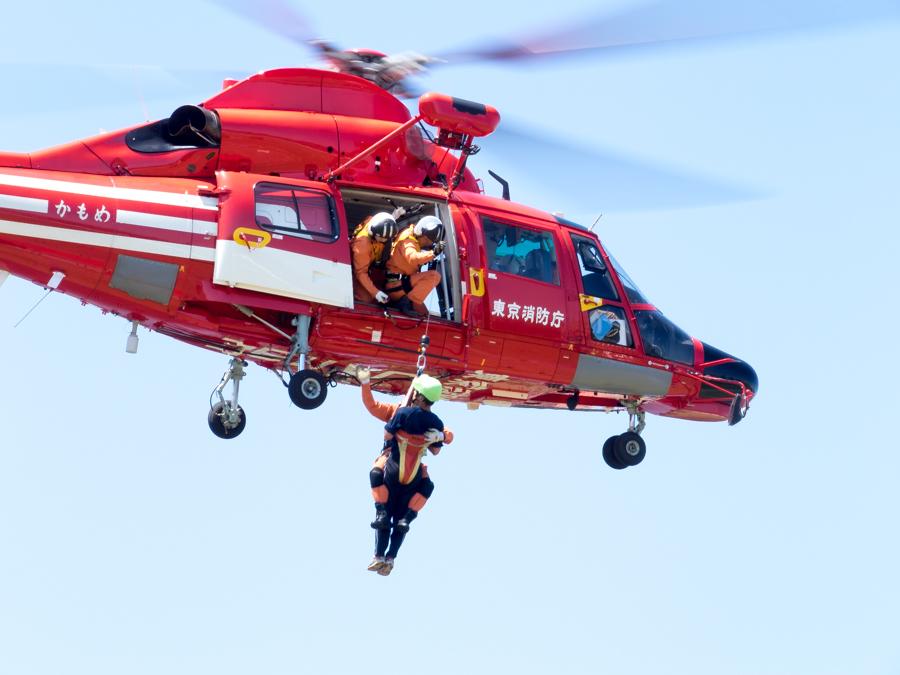 真っ赤なヘリコプター_d0192516_16501213.jpg