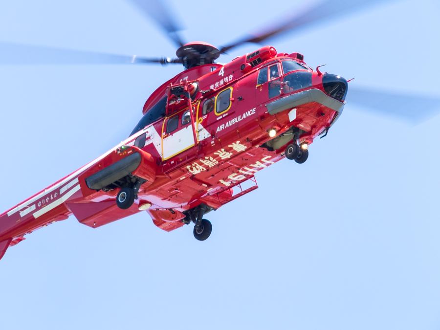 真っ赤なヘリコプター_d0192516_16511639.jpg