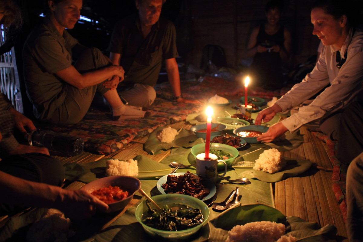 ルアンナムター  ラフ族の村の夜_b0061717_12124831.jpg