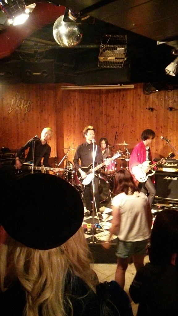 昨晩の歌舞伎町の模様でも…_c0308247_14101744.jpg
