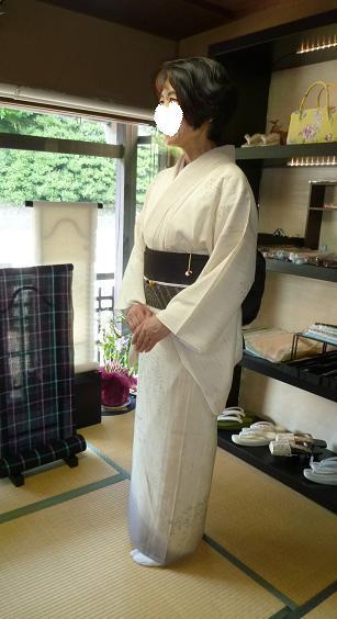 単衣のぜんまい紬のお客様・シャンソンボサノバライブへ。_f0181251_13424278.jpg