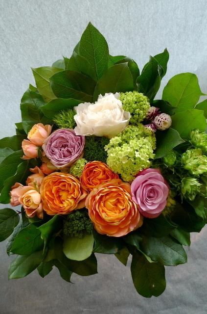 ご結婚記念日に、奥様に。「オレンジ系で」。_b0171193_00005303.jpg