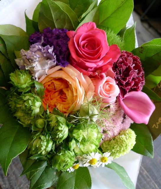 送別用の花束。女性用。「カラフルに、元気が出る感じ」。_b0171193_18380868.jpg
