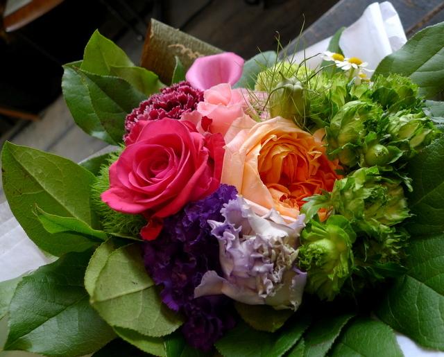 送別用の花束。女性用。「カラフルに、元気が出る感じ」。_b0171193_18381657.jpg